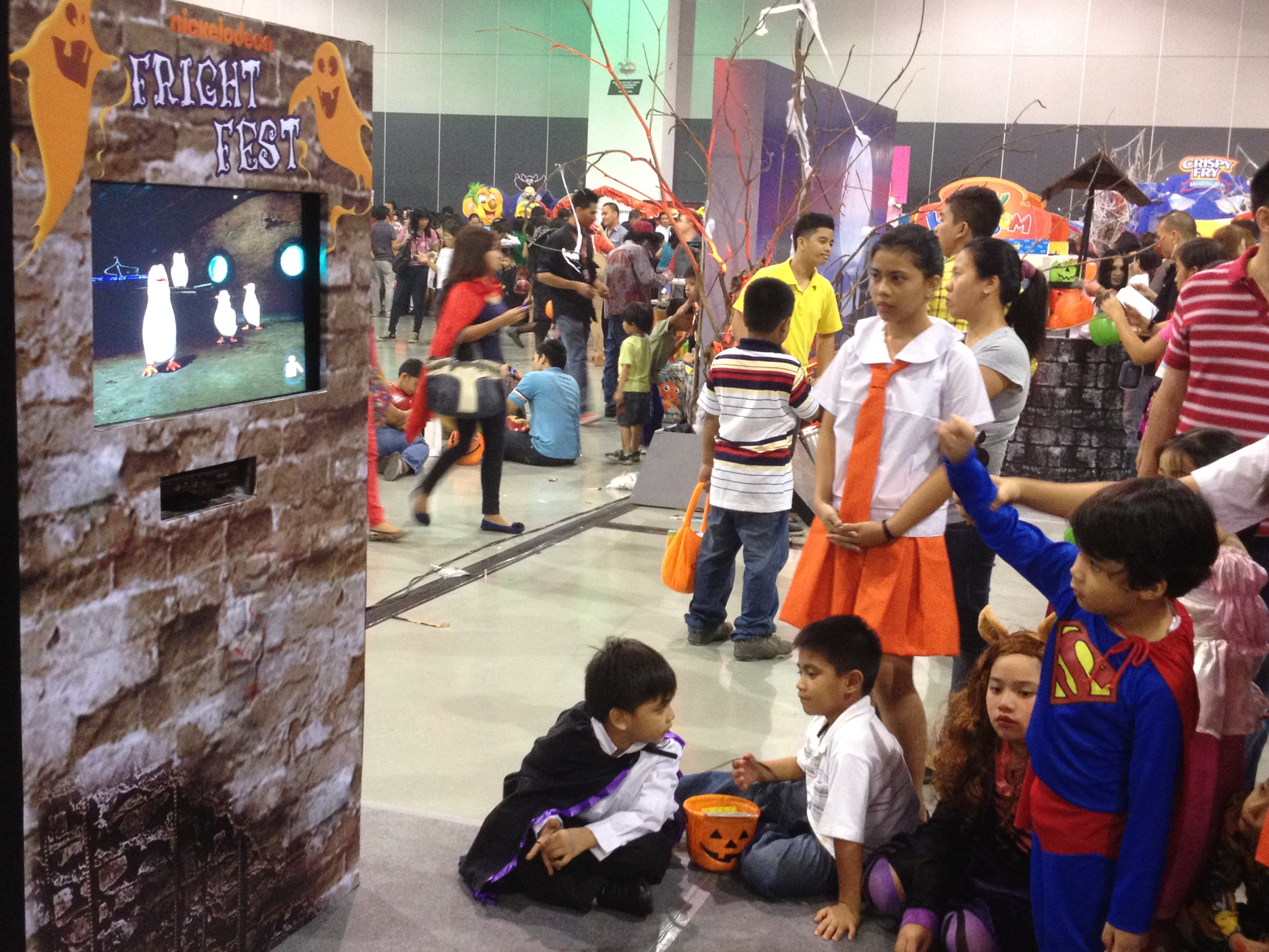 Nickelodeon's Frightful Fright Fest! | Absolutely Mommy